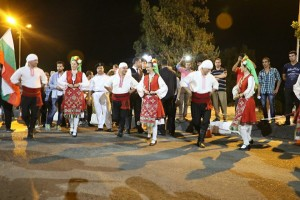 طاهر وعامر يشهدان ديفيليه مهرجان الإسماعيلية الدولى للفنون الشعبية (7)